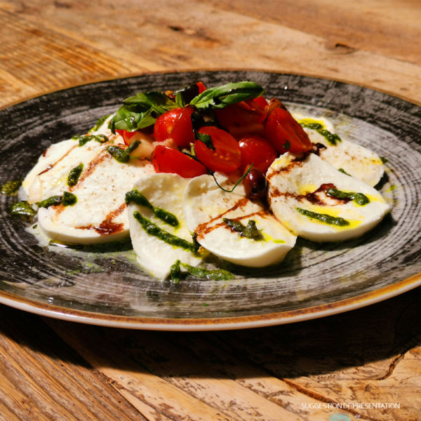 Salade Caprese et Frisella Come Delivery Come a la Maison Food Delivery and Takeaway Luxembourg 1